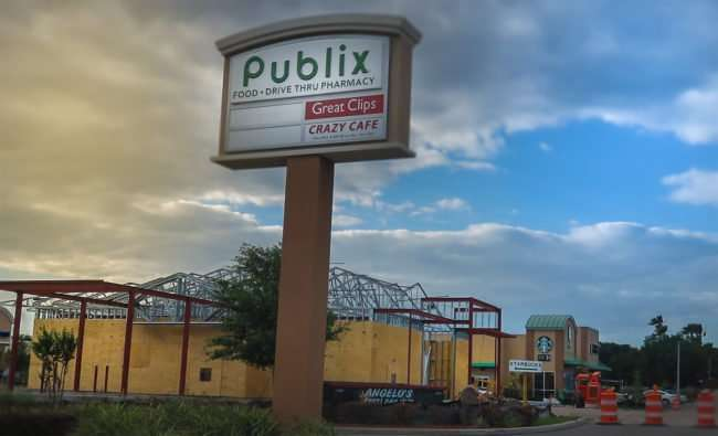 April 17, 2016 - Navy Federal Credit Union under construction at Publix at Pavilion Crossing on US Hwy 301, Riverview/photonews247.com