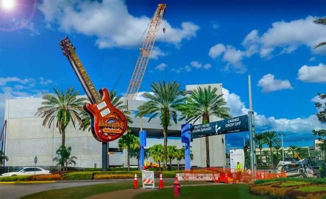 10.13.2016 - Hard Rock Hotel & Casino building new multilevel parking lot, Tampa, FL/photonews247.com