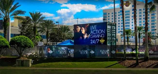 10.13.2016 - Seminole Hard Rock Casino under construction with new garage, Tampa, FL/photonews247.com