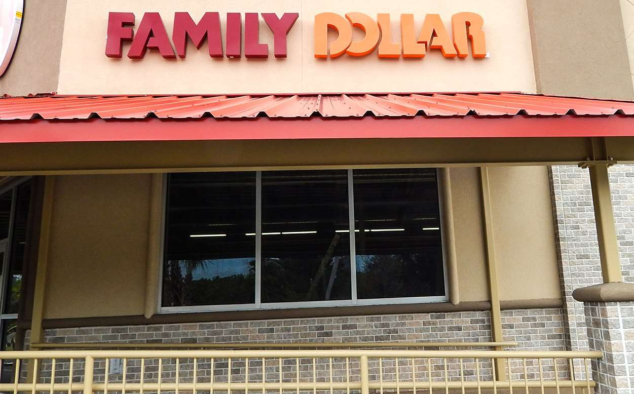 Nov. 15, 2014: Family Dollar in Ruskin slated to open in the beginning of 2015 / photonews247.com