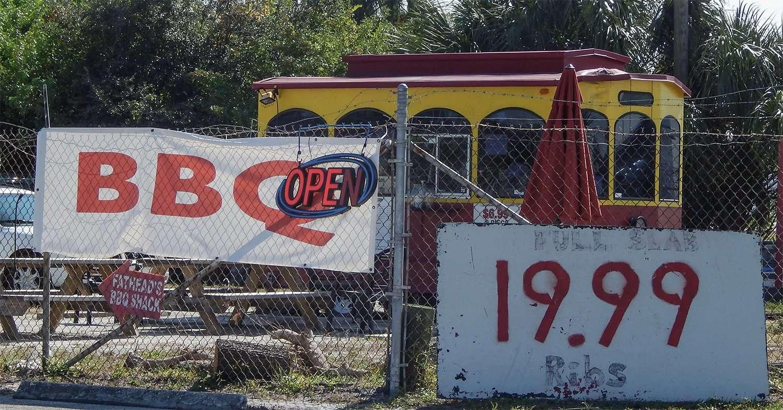 Nov 16, 2014: Fat Heads BBQ Shack, the red food truck on 41 in Apollo Beach, FL (credit Staff/photonews247.com)