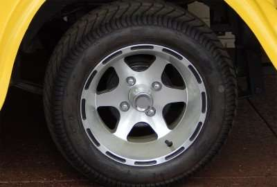CST Tires on Aluminum wheels on Roadster golf cart/photonews247.com