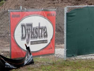 Dec 24, 2014 Dykstra Construction Company building Dollar General on 21 Street and College Ave Ruskin, FL/photonews247.com