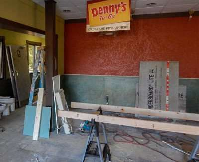 Denny's being remodeling in Sun City Center, FL/photonews247.com