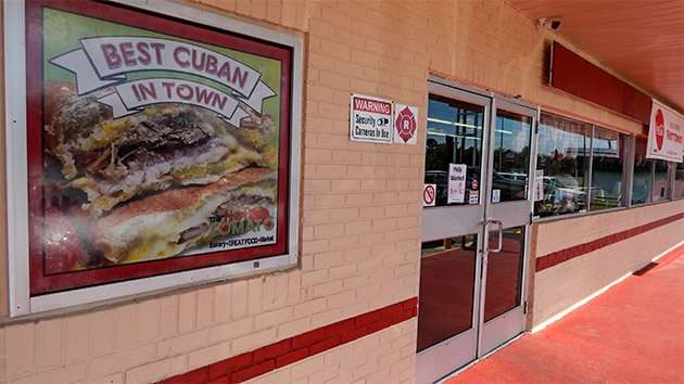 For The Best Cuban in Town - The Hot Tomato Bakery in Ruksin, FLorida/2015 photonews247k.com