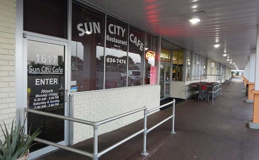 MAY 11, 2015: Sun City Center Cafe for down home cooking breakfast and lunch / Photo News 247