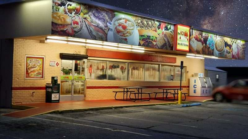 JULY 24, 2015 - The Hot Tomato bakery and Cuban sub shop under the stars in Ruskin SouthShore, FL/photonews247.com