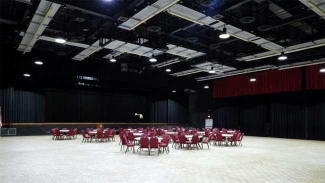 Entering Borini Theater in Kings Point, Sun City Center/photonews247.com