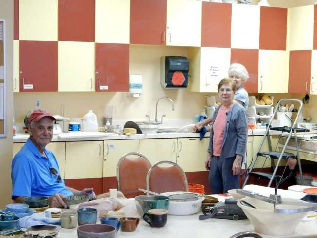 Make clay pots with Kings Point Pottery Club, Sun City Center/photonews247.com