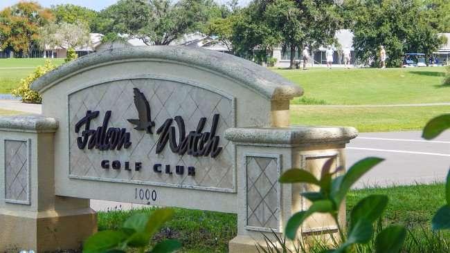 Sign Falcon Watch Golf Club 1000 Kings Blvd, Kings Point, Sun City Center/photonews247.com