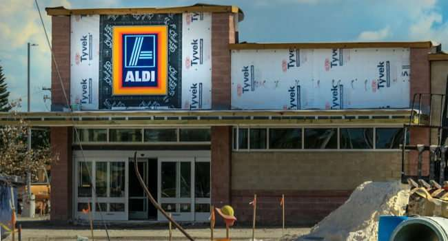 9.22.2016 - ALDI sign up on building at US-301 & SR-674, Wimauma FL SouthShore, FL/photonews247.com