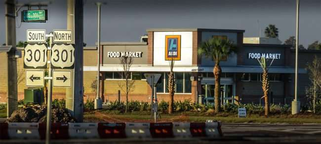 11.19.2016 - Aldi Hiring at US-301 and 674 Wimauma Sun City Center, FL/photonews247.com