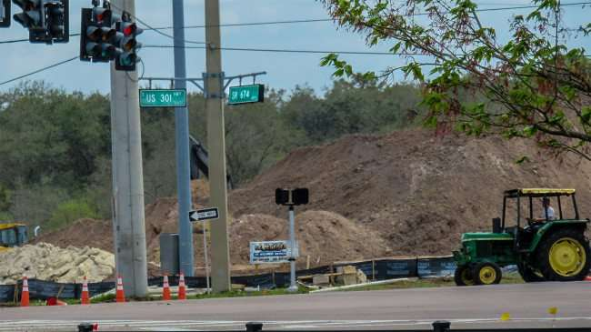 Mar 6, 2016 - Construction of WAWA at Hwy 301 and Florida SR 674 in Wimauma Southshore, FL/photonews247.com