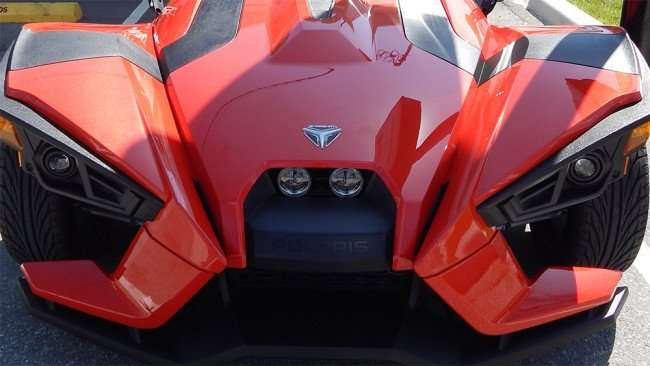 Front end grille of Polaris Slingshot three wheel motor cycle / photonews247.com