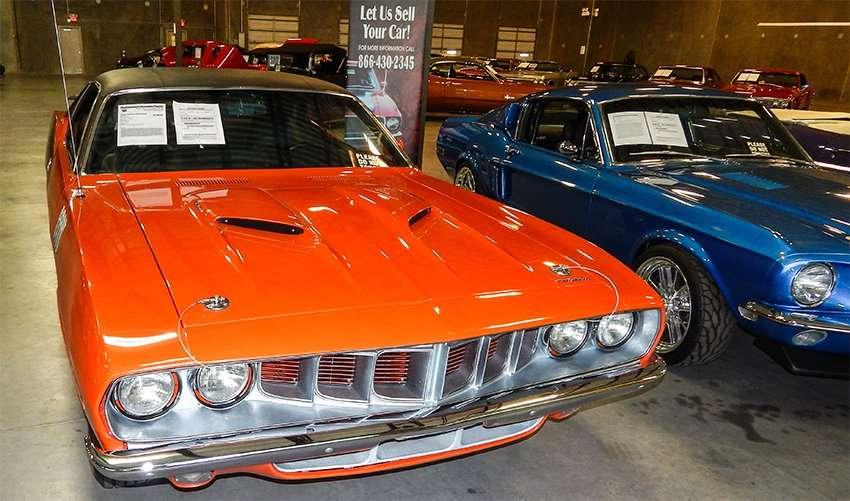 1970 440 orange Cuda in mint condition