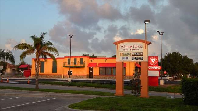 AUGUST 7, 2015 - Asphalt parking lot finished at Popeyes Chicken on Big Bend, Riverview SouthShore, FL/photonews247.com