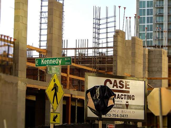 NOV 8, 2015 - Case Construction builing apartments at 11th St and Kennedy Blvd, Channelside, Tampa, FL/photonews247.com