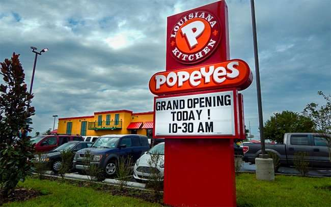 OCT 28, 2015 - Popeyes Chicken opened today Oct 28, 2015 at 10:30am on Big Bend, Riverview, FL/photonews247.com