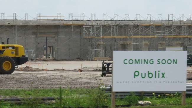 Mar 13, 2016 - Publix under construction on Hwy 301 and Symmes Rd, Riverview, FL/photonews247.com