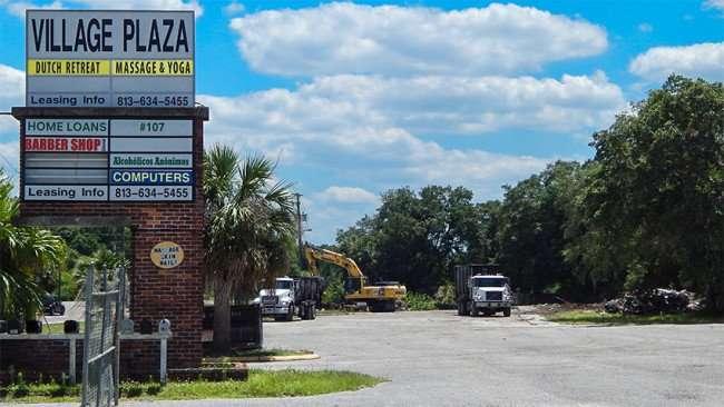 May 1, 2015 Demolition of Copper Penny in Village Plaza complete, Wimauma Sun City Center FL/photonews247.com