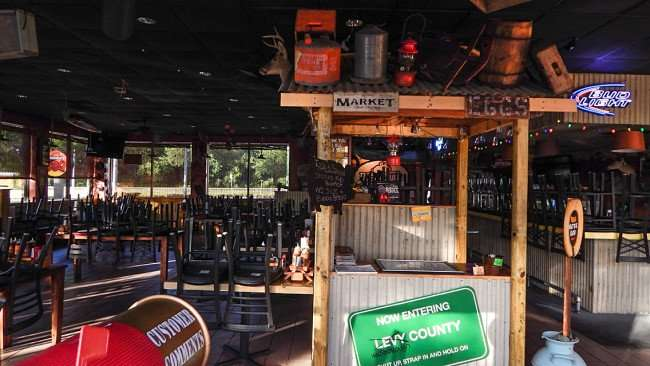 May 2015 Inside Bubbaques BBQ restaurant in Sun City Center-Ruskin, FL/photonews247.com
