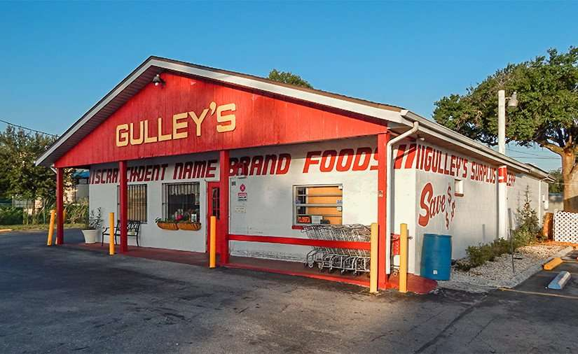 MAY 17, 2015 - Gulleys scatch and dent name brand foods on 8th Ave and US-41, Ruskin South Shore, FL