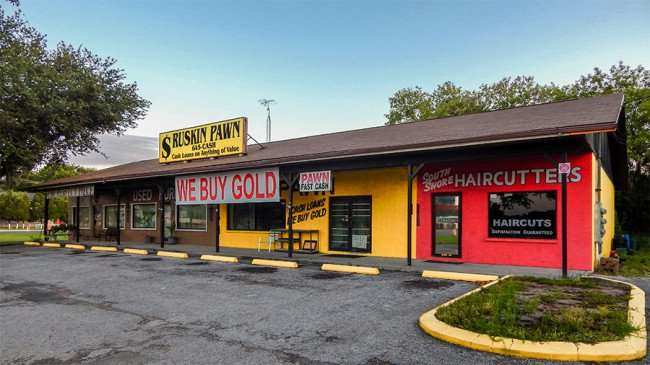 MAY 18, 2015 - Ruskin Pawn we buy gold, Use Furniture The Perfect Piece and South Shore Haircutter on College Ave, Ruskin, FL
