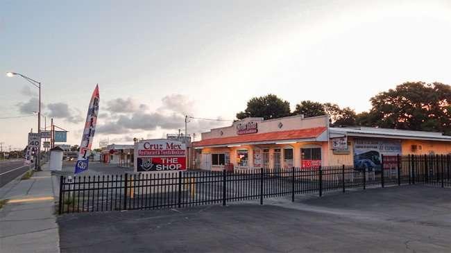 MAY 20, 2015 - Cruz Mex Restaurant & Tienda Mexicana, Ruskin, FL