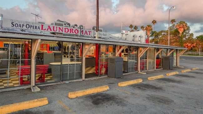 MAY 20, 2015 - Free Wi-Fi at Soap Opera Laundromat, Hwy 41, Ruskin South Shore, FL