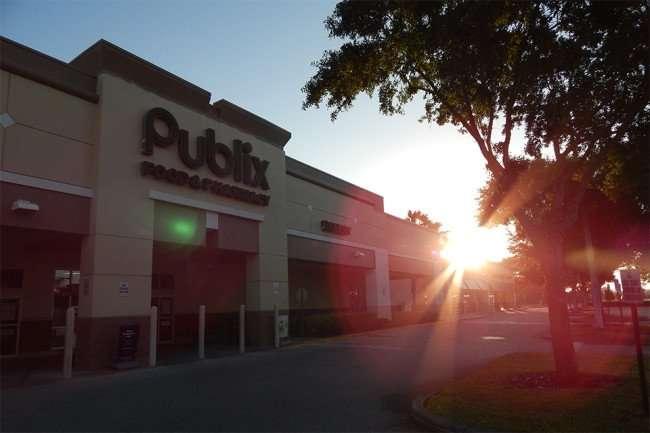 MAY 7, 2015: (unedited) Publix Super Market, Kings Crossing, Sun City Center, FL/2015 photonews247.com
