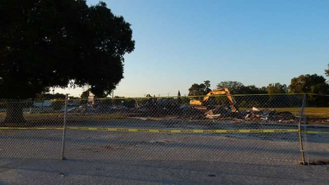 May 9, 2015: Village Plaza demolished except for sign on 674 and 301, Wimuam, FL/photonews247.com