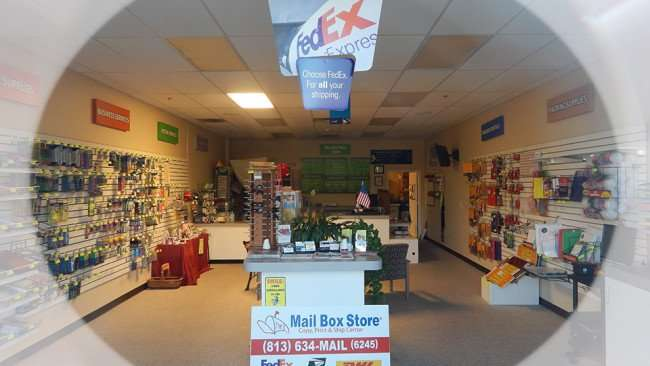MAY 5, 2015 - The Mail Box Store for Fed Ex, DHL, UPS on Sun City Center Blvd, Ruskin, FL/photonews247.com