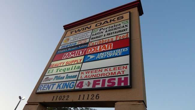 MAY 12, 2015: Twin Oaks plaza at 11022-11126 Us 41, Gibsonton South Shore, FL/Photo News 247