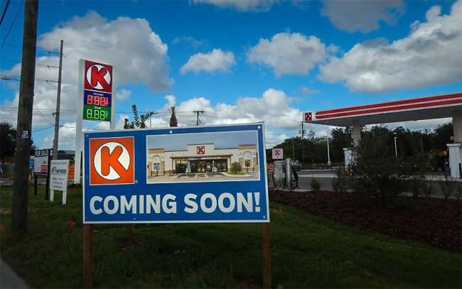 DEC 13, 2015 - Circle K Store and Bloomingdale Ave and Watson Rd, Riverview Tampa Bay Florida/photonews247.com
