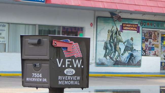 June 10, 2015 - Mailbox and mural painting at Riverview Memorial VFW 8108, Riverview, FL