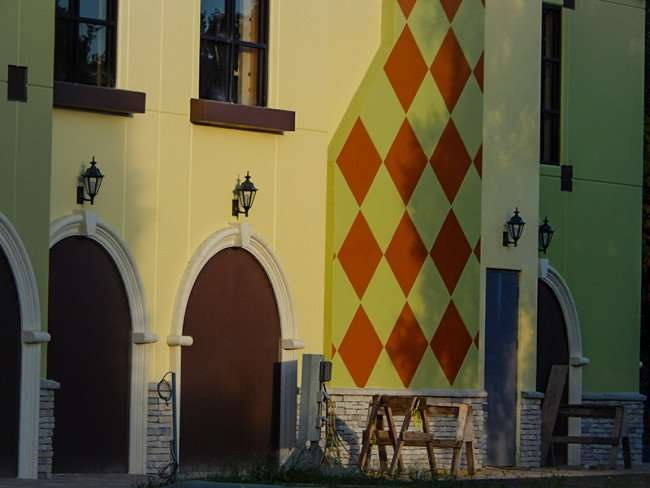 NOV 7, 2015 - Latino Fresh Market building with red and green diamond shapes embossed on wall, Valrico/ Brandon FL/photonews247.com