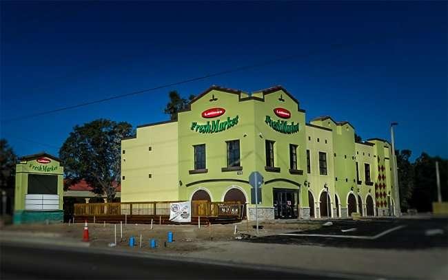 DEC 13, 215 - Latinos Fresh Market building finished on Brandon Blvd in Valrico, Florida/photonews247.com