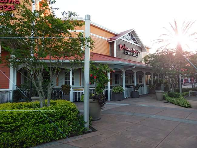 MAY 28, 2015 - Bahama Breeze Island Grille sun glare at Westfield Brandon Mall Shopping Center, Brandon, FL