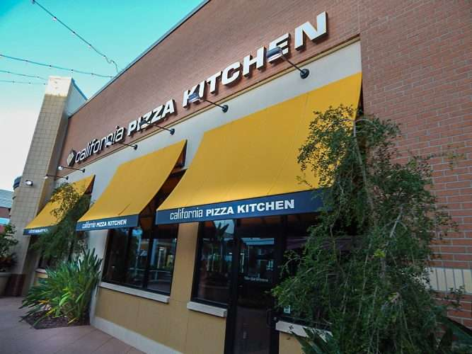 California Pizza Kitchen serving gluten-free pizza at Westfield ...