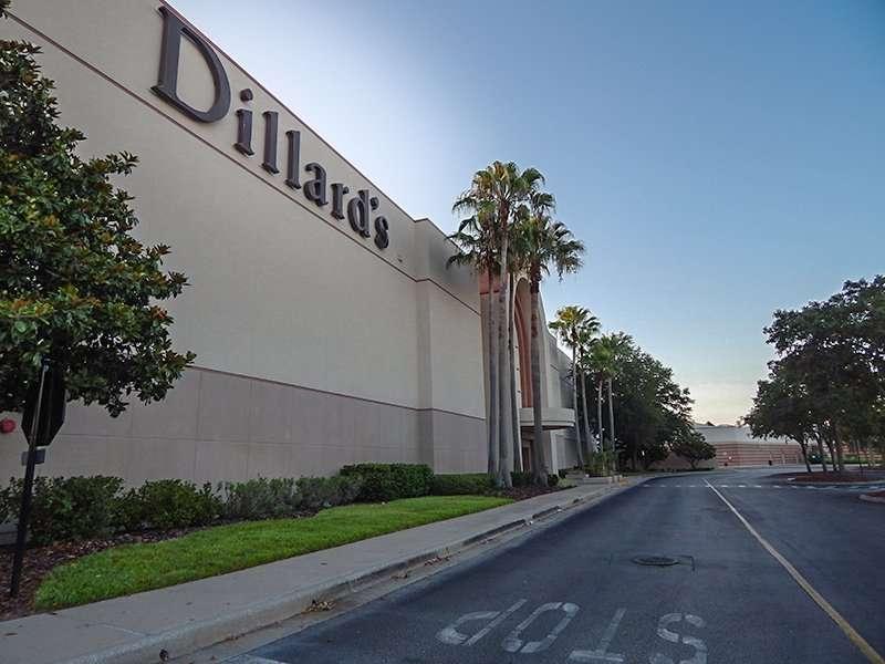 Dillard S In Westfield Brandon Mall Open Everyday Photo