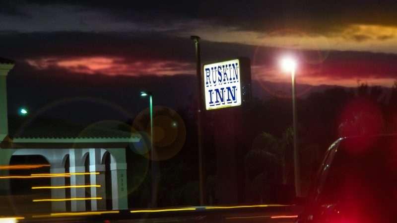 12.23.2016 - Ruskin Inn Hotel on College Ave, Ruskin SouthShore, FL/photonews247.com