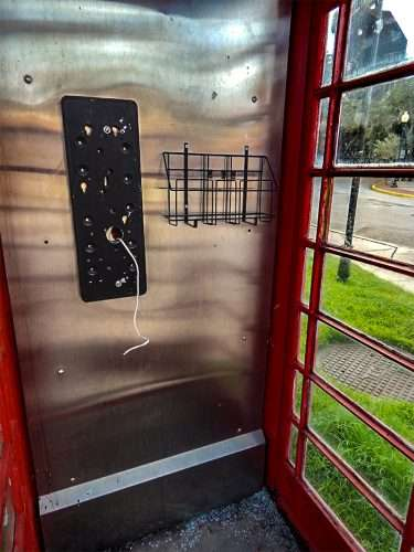 Nov 8 2017 Red British Phone Booth Without With Broken Gl On Floor The Corner Of W Snow Ave And S Dakoto Hyde Park Village Tampa