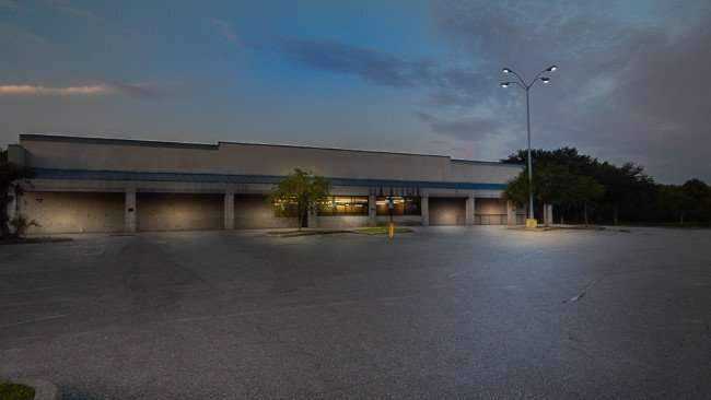 July 1, 2015 - Lights on at Old Food Lion Sweet Bay building in Ruskin SouthShore, FL