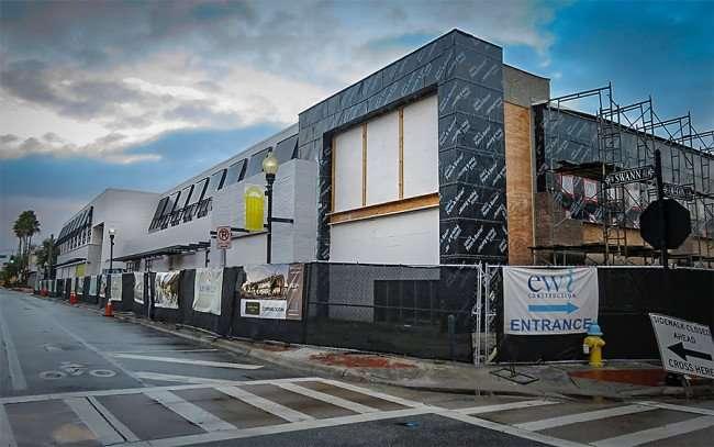 Jan 23, 2016 - On Swan Restaurant under construction in Hyde Park Village, Tampa, FL/photonews247.com
