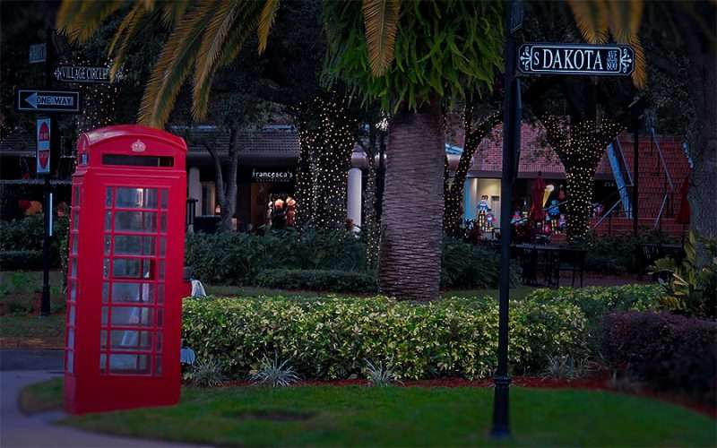 Jan 23, 2016 - Red British phone booth on S Dakota Ave in Hyde Park Village shopping center, Tampa, FL/photonews247.com