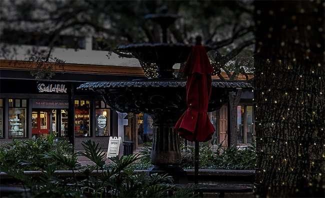 Jan 23, 2016 - Sur la table pots and pans store Hyde Park Village Plaza, Tampa, FL/photonews247.com