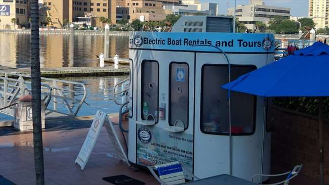 AUG 9, 2015 - Electric Boat Rentals at Sail Pavilion Bar at Tampa Converntion Center/photonews247.com