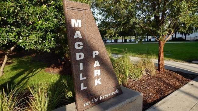 AUG 23, 2015 - MACDILL PARK on the Riverwalk/photonews247.com