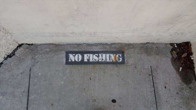 AUG 9, 2015 - NO FISHING on Platt Street Bridge in Downtown Tampa, FL/photonews247.com