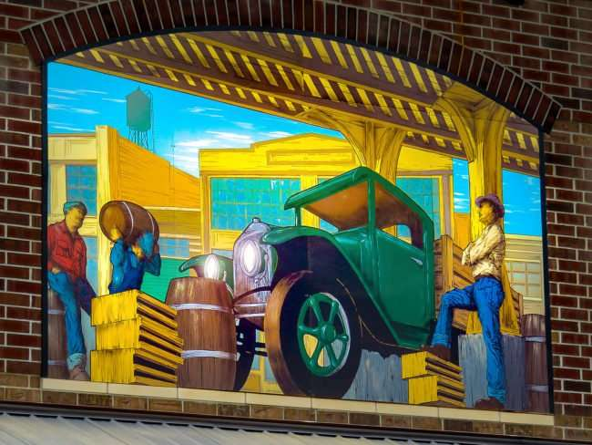 Aug 14, 2016 - Portillo's Brandon FL mural on building/photonews247.com